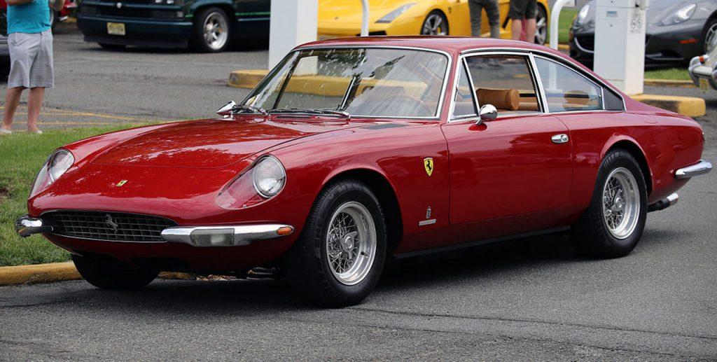 Ferrari_365_GT_2+2